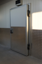 Двері холодильні з надійним захистом